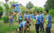 hanoiskyteam tổ chức team building tại thảo viên